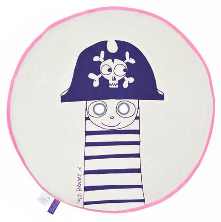 Bu_Pirate_navy_pink_Little_Red_Stuga_IMG_2963
