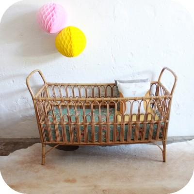 D568_Lit-vintage-bebe-rotin-a-400x400